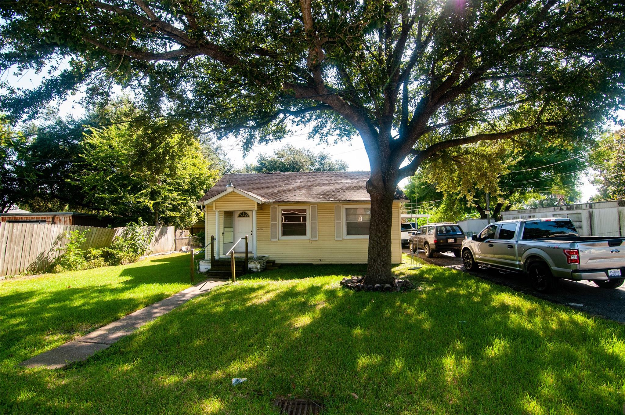4225 D Street Property Photo - Houston, TX real estate listing