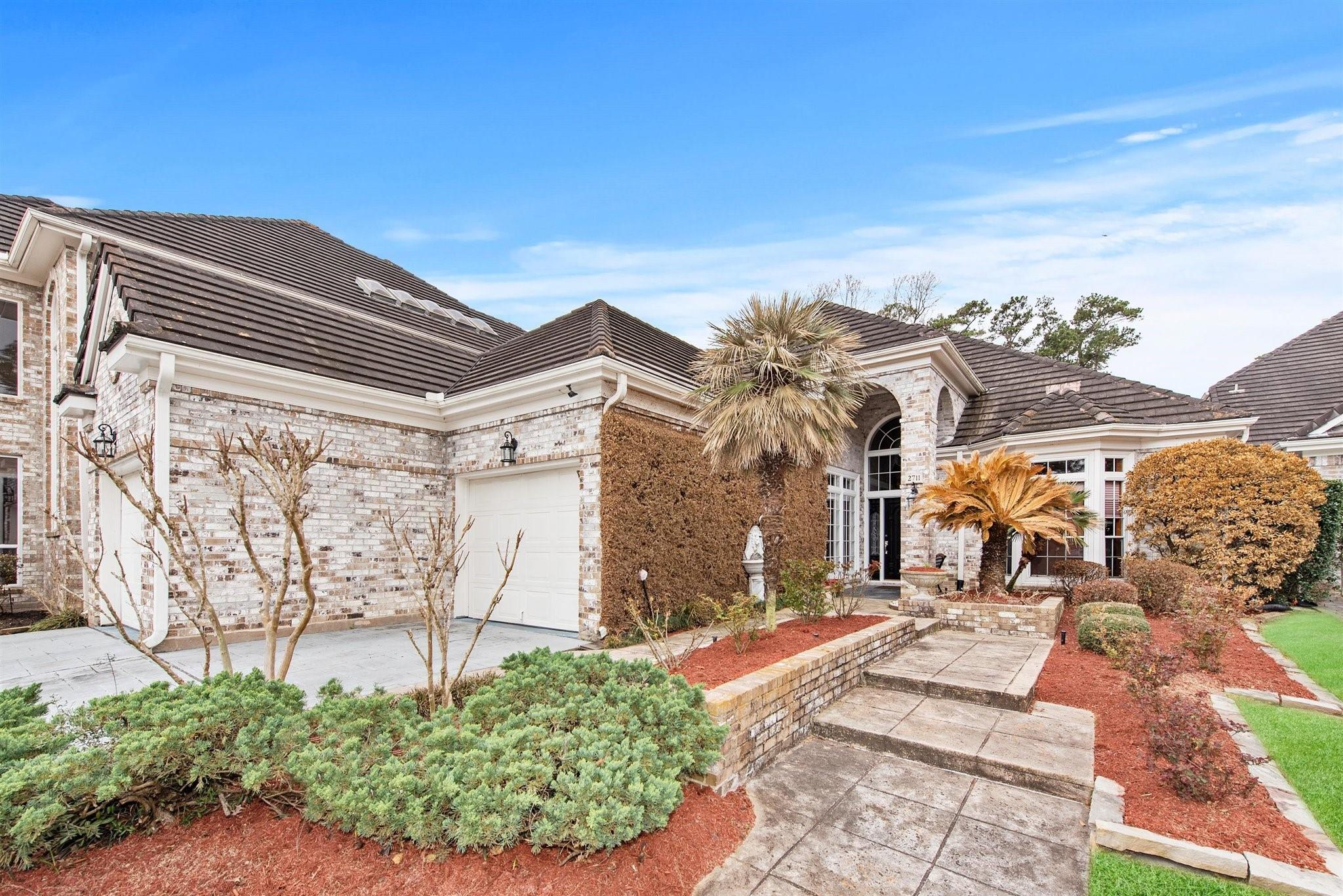 2711 S Southern Oaks Drive Property Photo