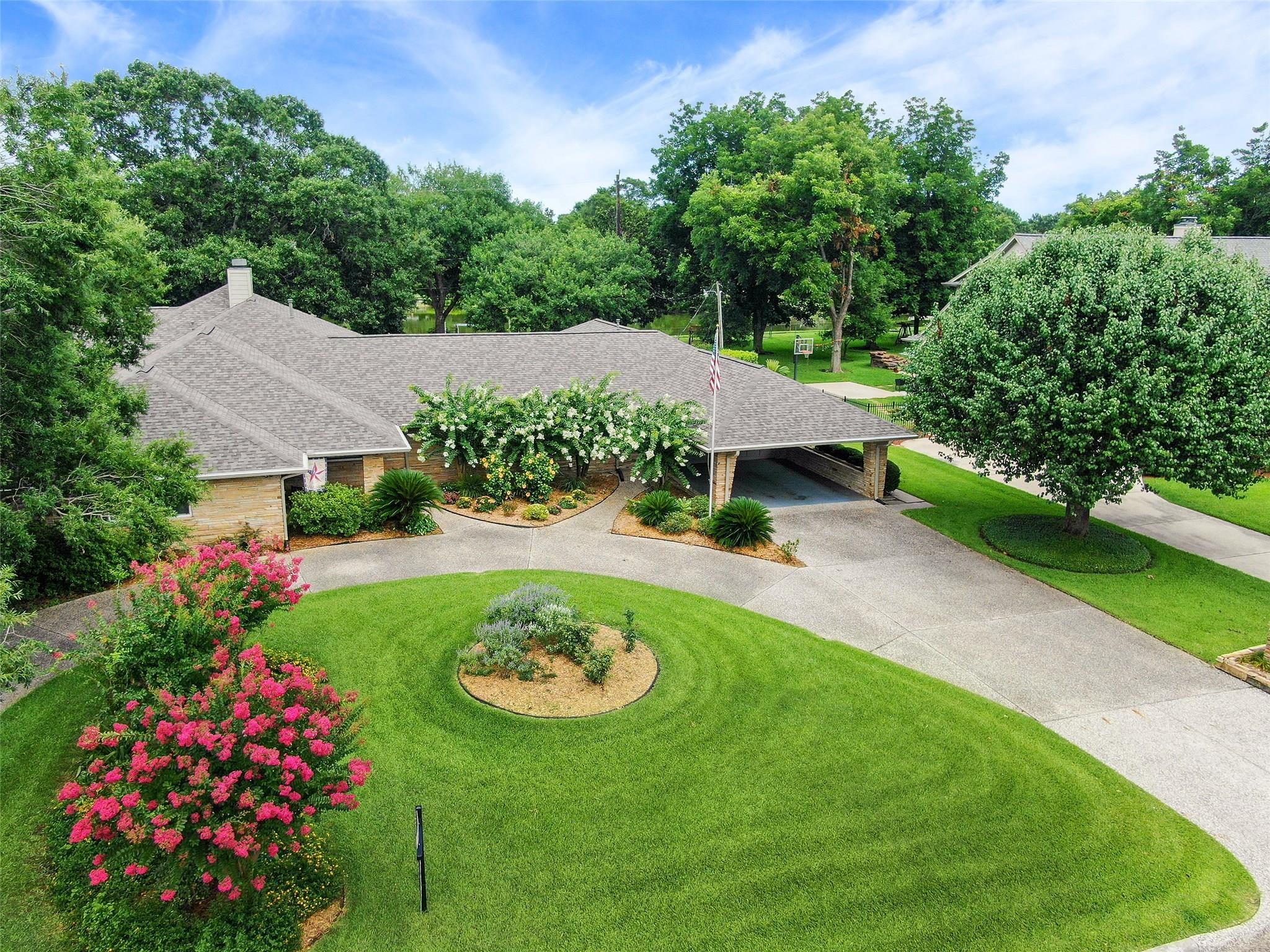 8406 N Tahoe Drive Property Photo - Jersey Village, TX real estate listing