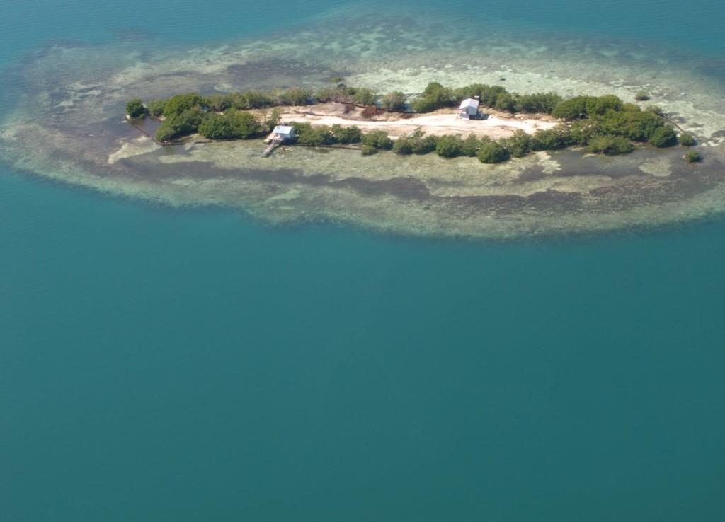 1 E E 1 1/2 Acres Island Ner Great Barrier Reef Belize Property Photo