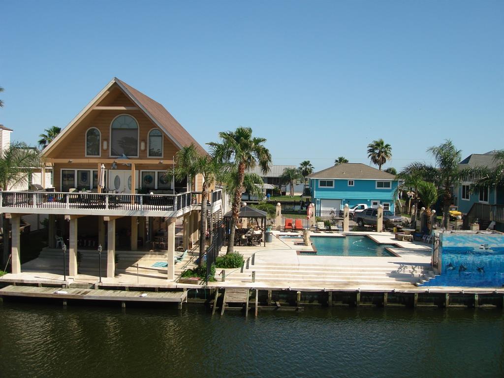 1149 Sailfish Street Property Photo - Bayou Vista, TX real estate listing