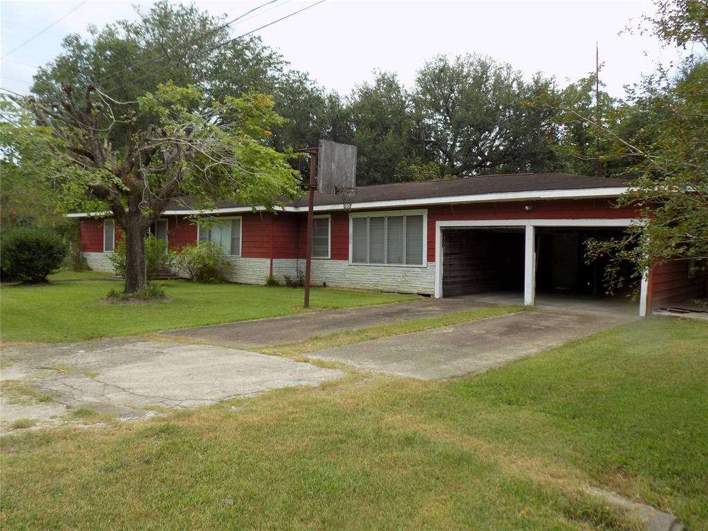 21 County Road 2440 Property Photo - Hull, TX real estate listing