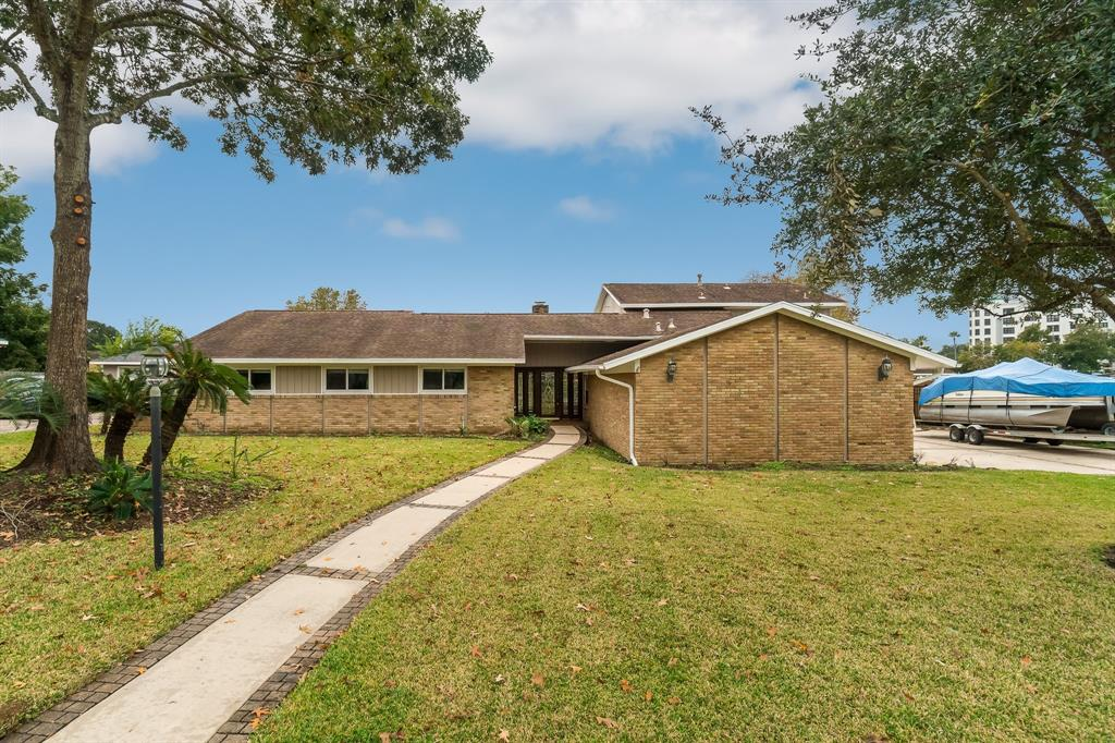 1306 Antigua Lane Property Photo - Nassau Bay, TX real estate listing