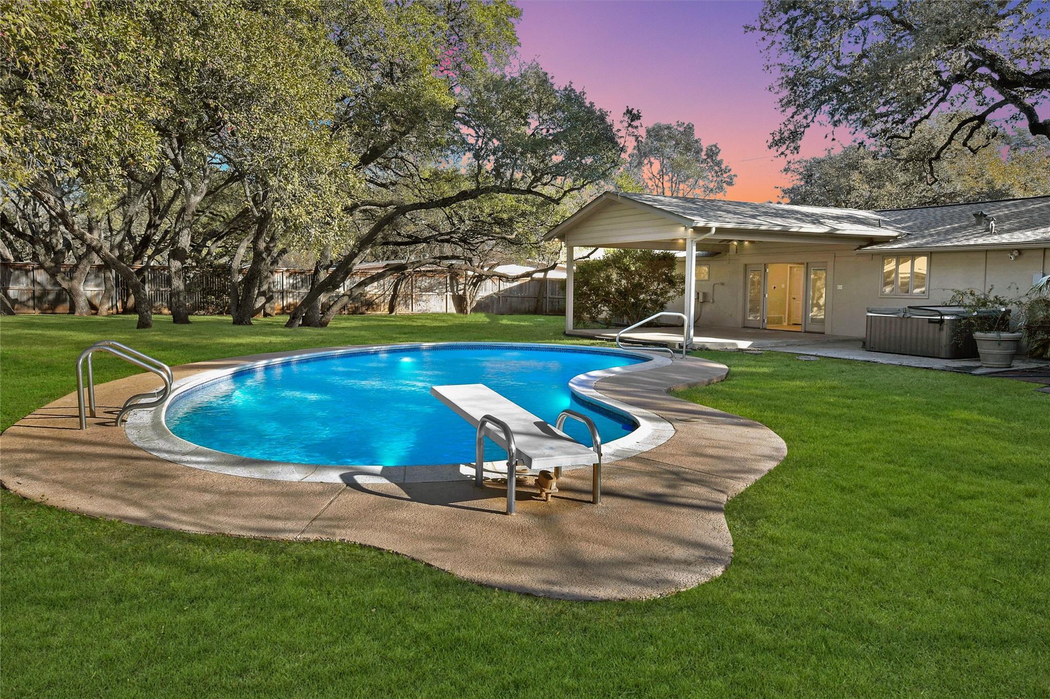 127 Donella Drive Property Photo - San Antonio, TX real estate listing