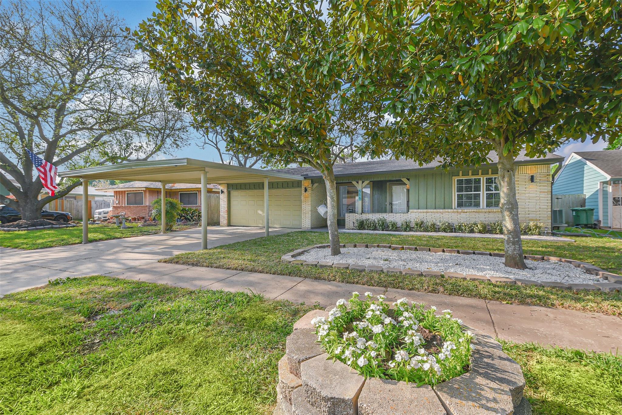 619 Sulphur Street Property Photo