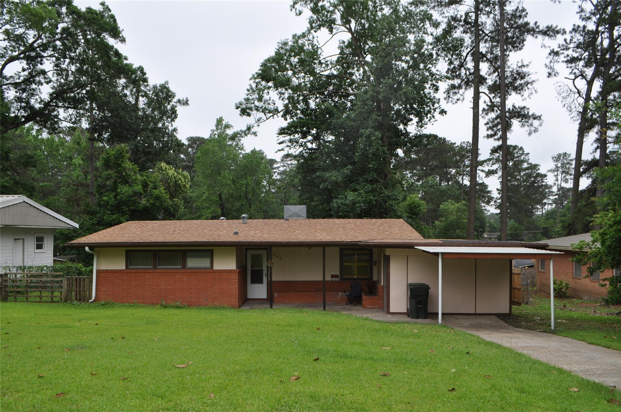 605 Pine Street Property Photo