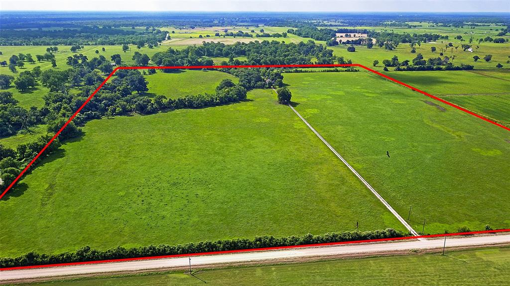 1626 County Road 101 Property Photo - Boling, TX real estate listing