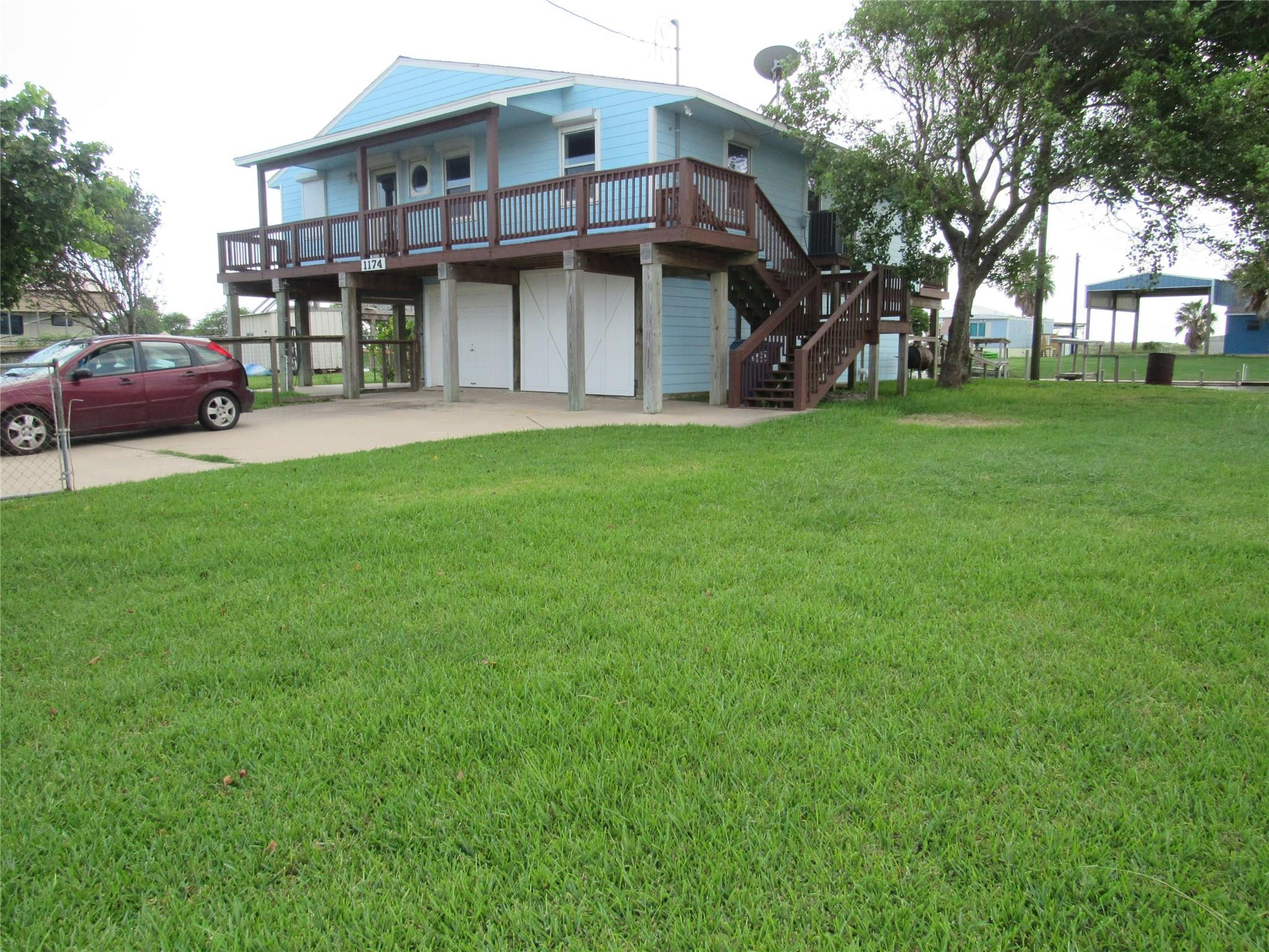 1174 County Road 202 Property Photo - Sargent, TX real estate listing