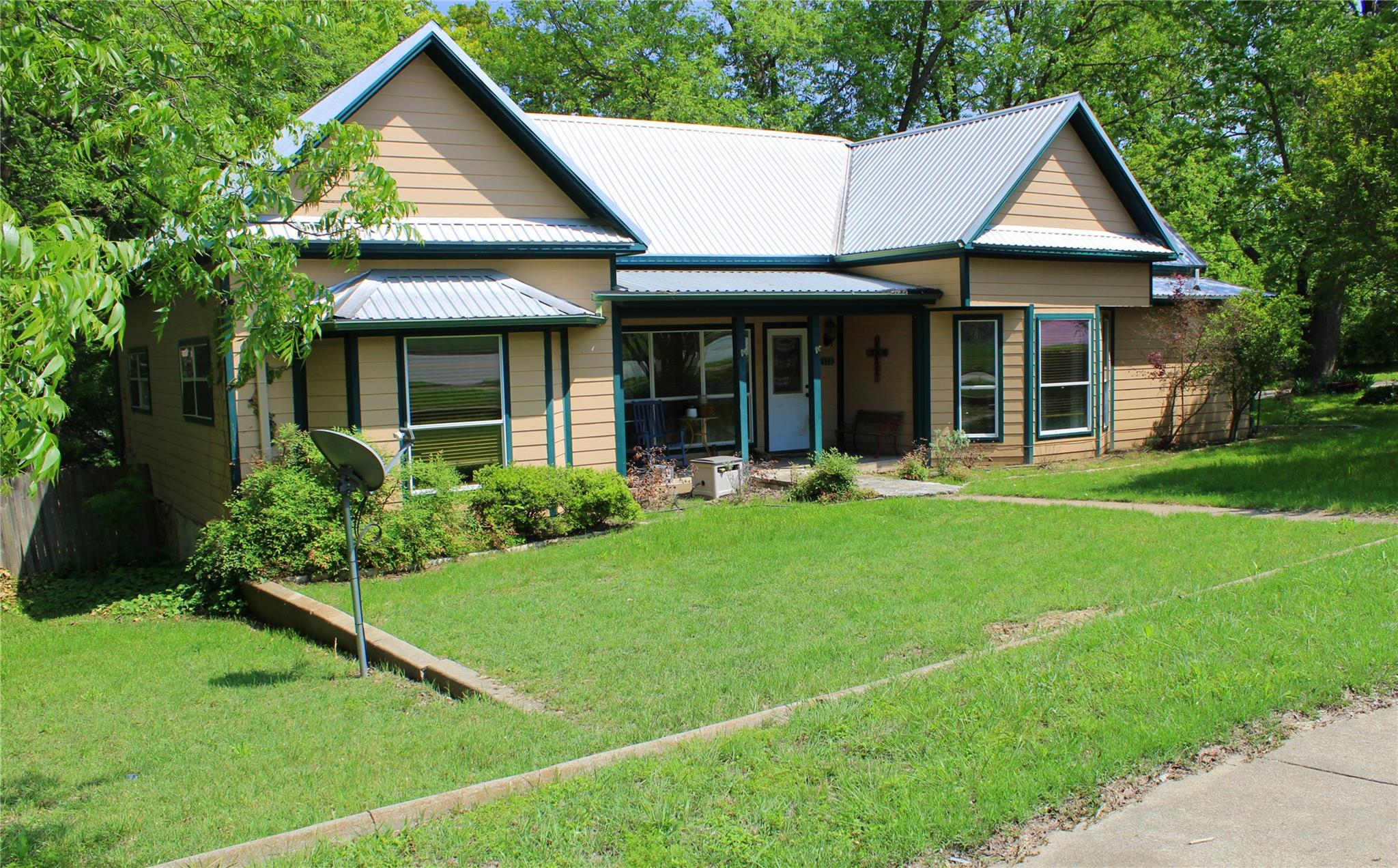 520 S Rice Street Property Photo - Hamilton, TX real estate listing