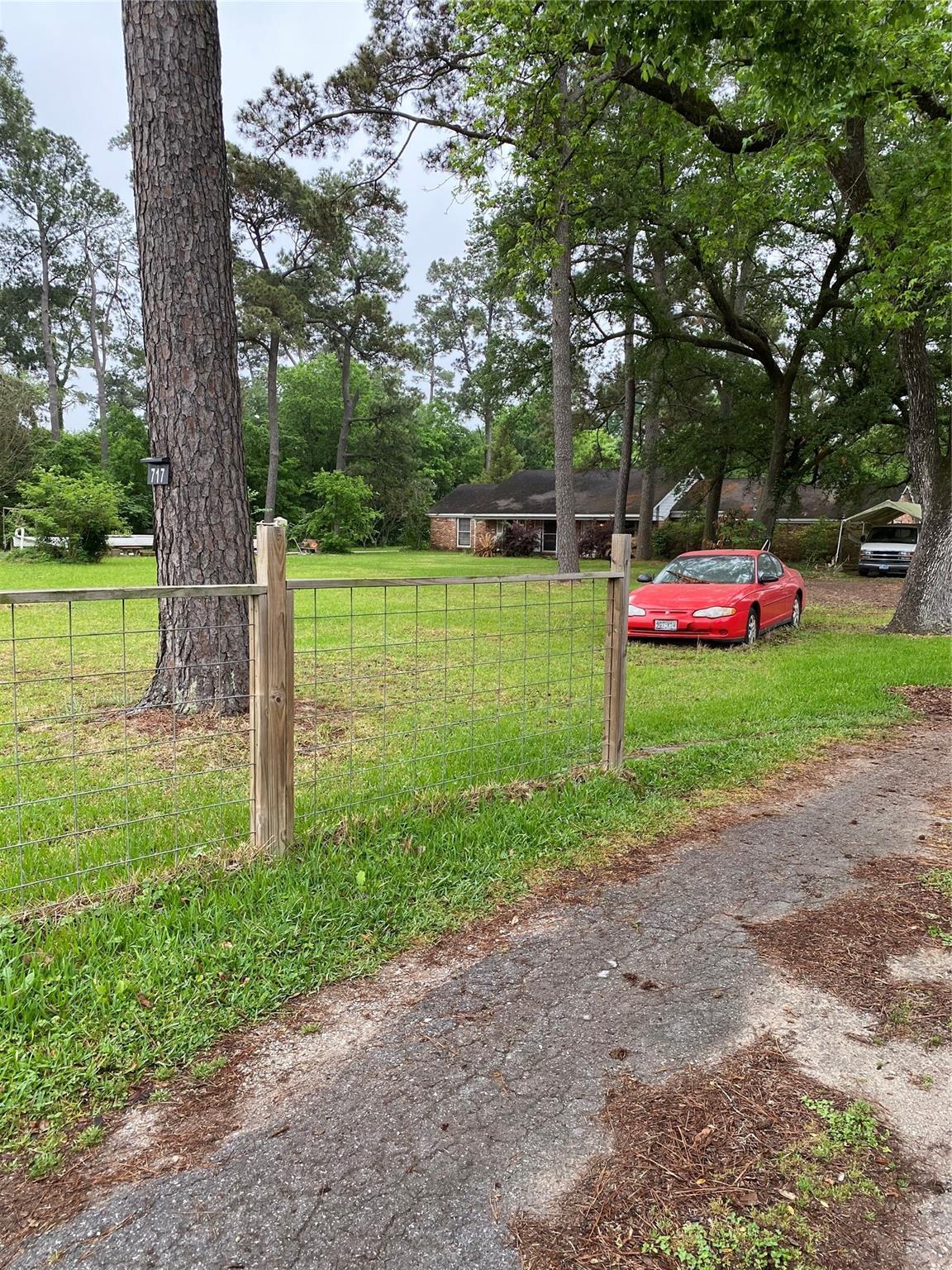 717 Pinemont Drive N Property Photo