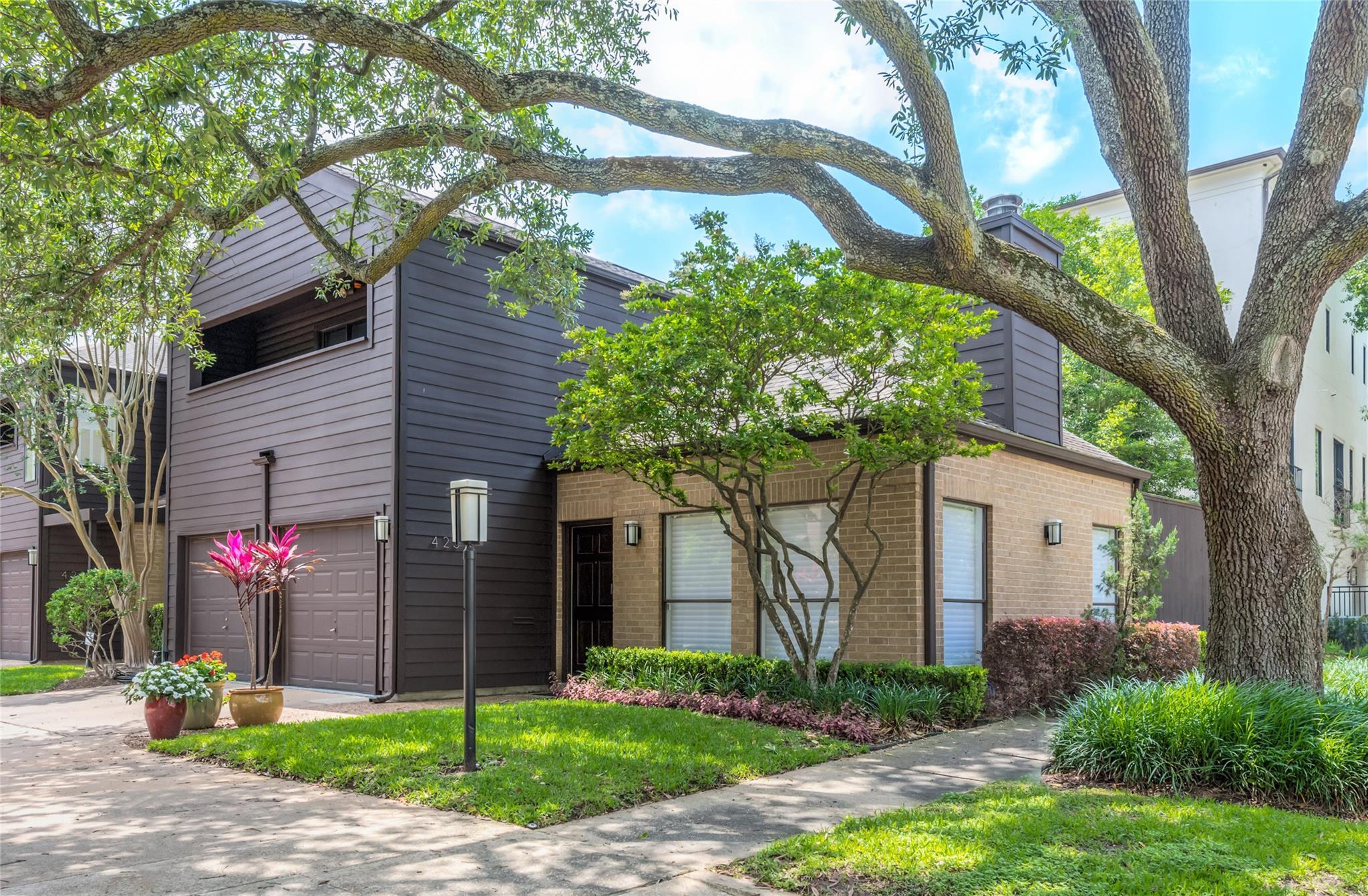 Afton Oaks Th Condo Real Estate Listings Main Image