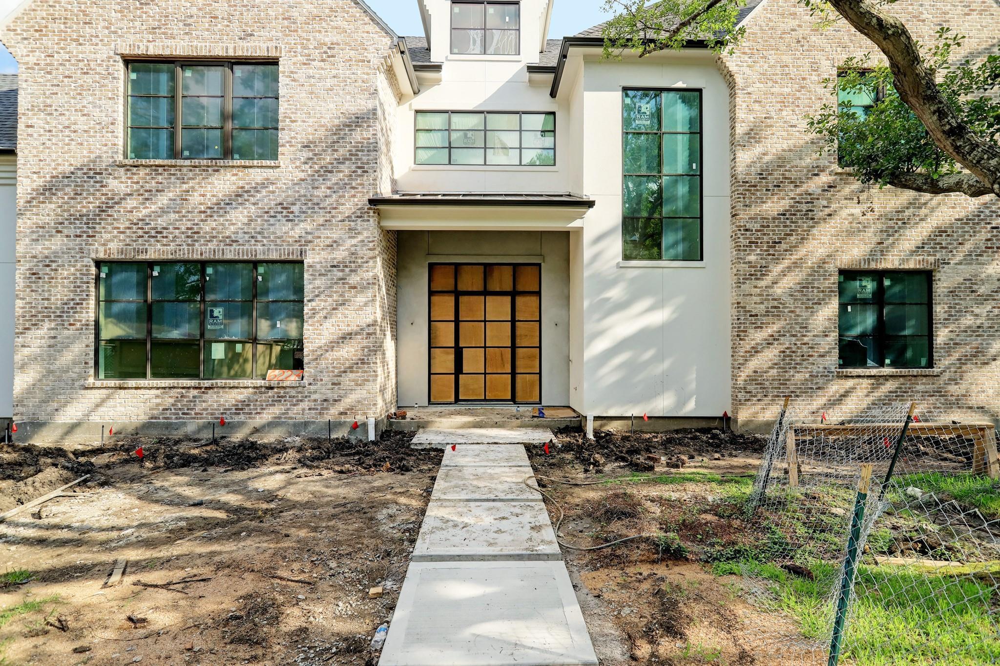 6227 Lynbrook Drive Property Photo