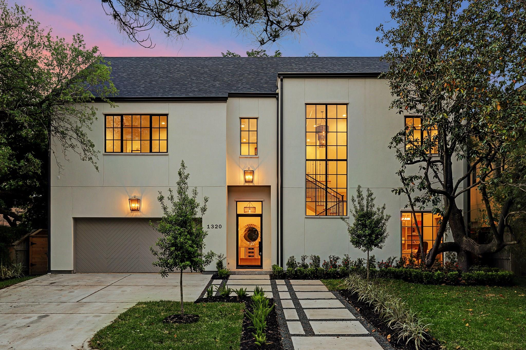 1320 Banks Street Property Photo - Houston, TX real estate listing