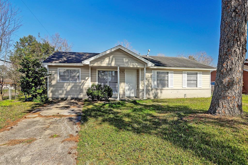 9303 Oak Knoll Lane Property Photo