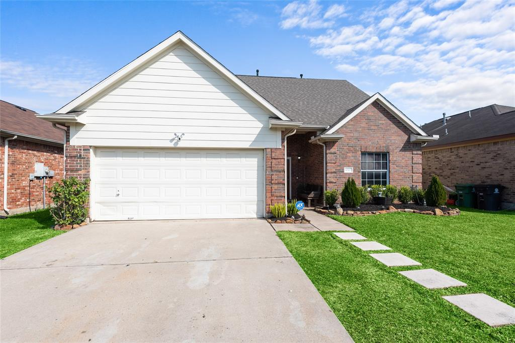 10707 Katya Gillian Drive, Houston, TX 77034 - Houston, TX real estate listing
