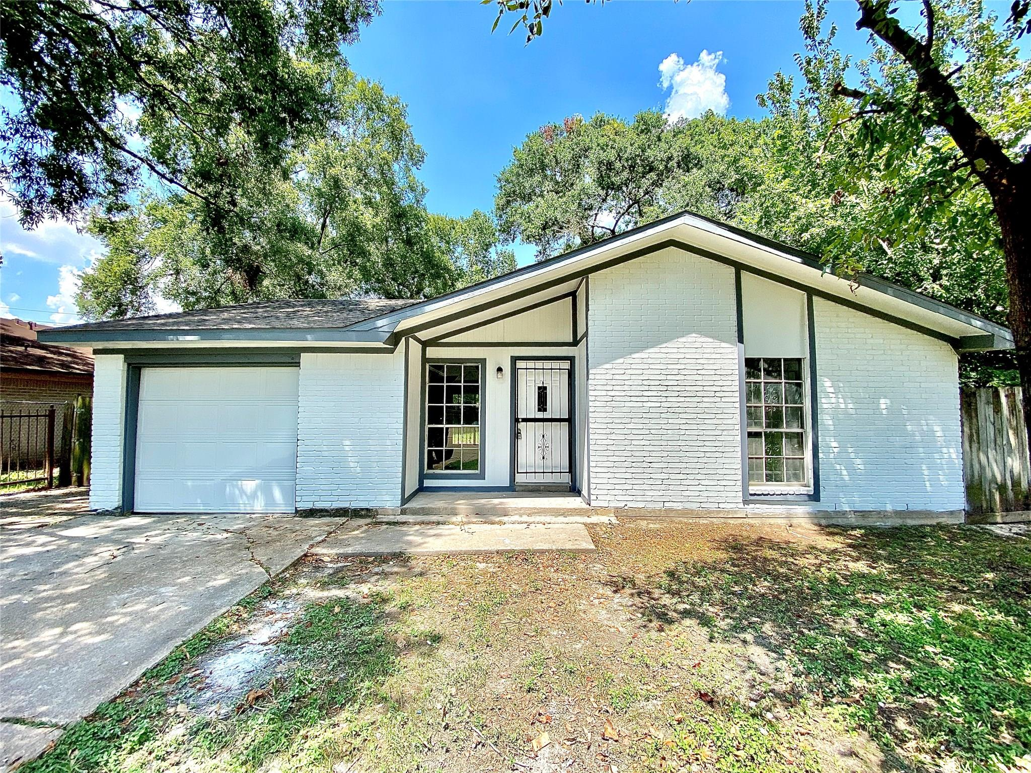 7959 Locksley Road Property Photo - Houston, TX real estate listing