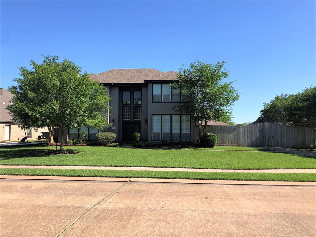112 Paint Brush Street Property Photo - Lake Jackson, TX real estate listing