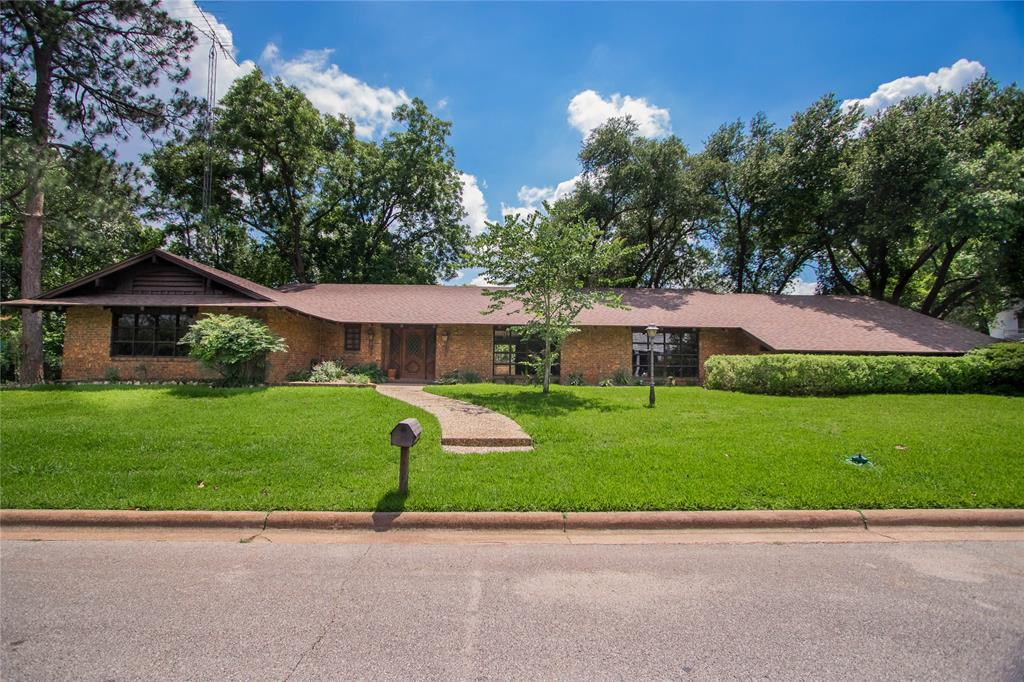 100 S Thomas Street Property Photo - Caldwell, TX real estate listing