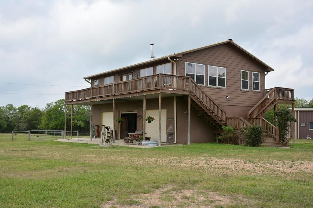 6525 Halamicek Loop Property Photo - Fayetteville, TX real estate listing