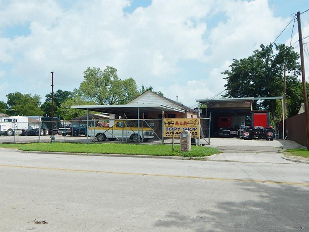1705 Hopper Property Photo - Houston, TX real estate listing