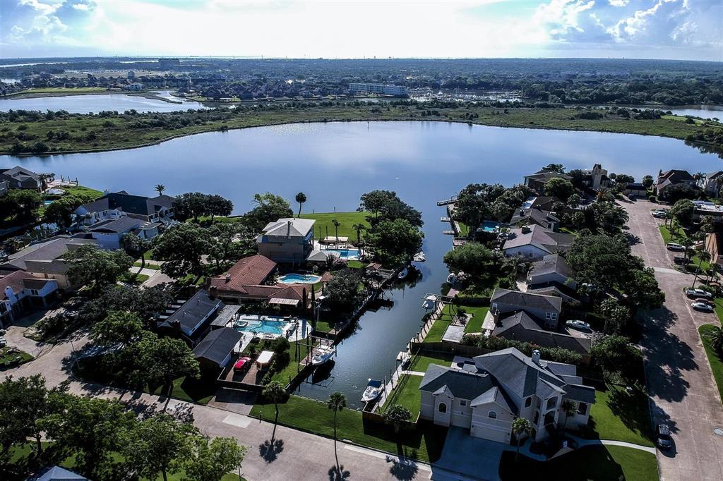 18730 Prince William Lane, Nassau Bay, TX 77058 - Nassau Bay, TX real estate listing