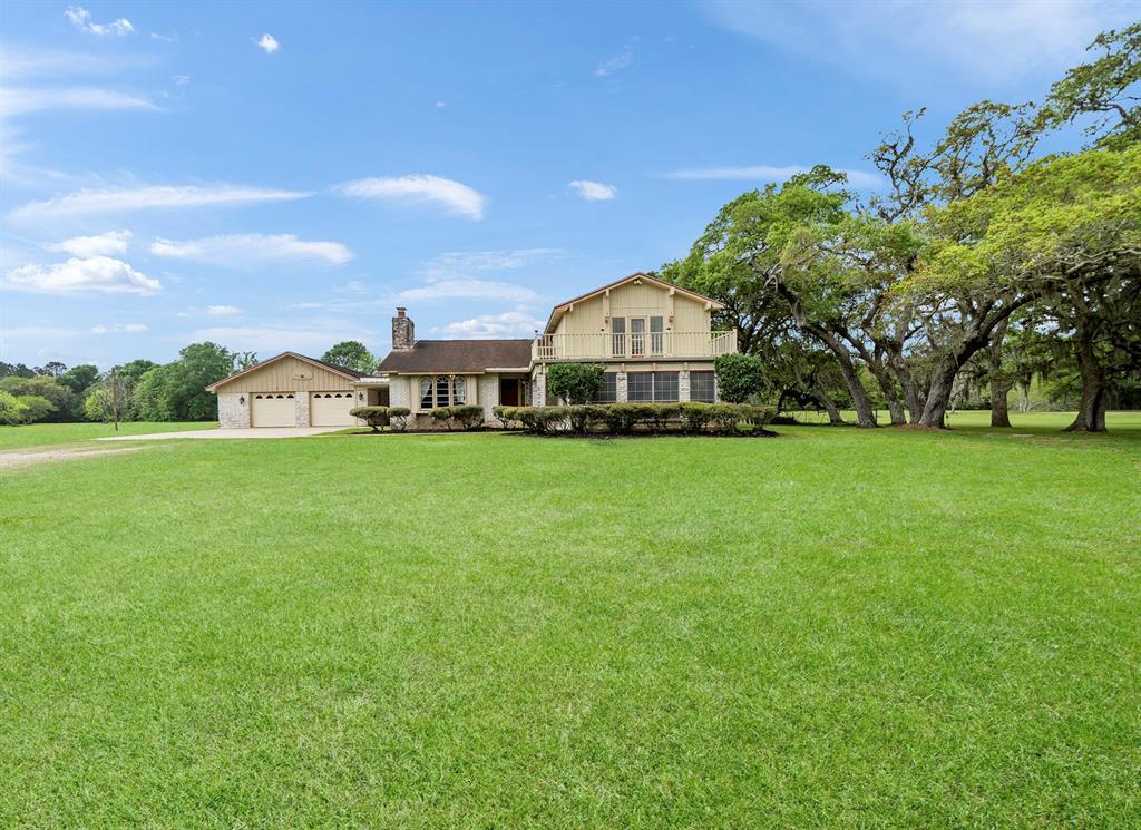 138 Livingston Lane, West Columbia, TX 77486 - West Columbia, TX real estate listing
