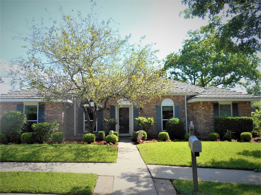 11703 BOLERO Court Property Photo - Meadows Place, TX real estate listing