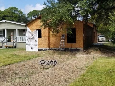 2200 N 2nd Avenue Property Photo - Texas City, TX real estate listing