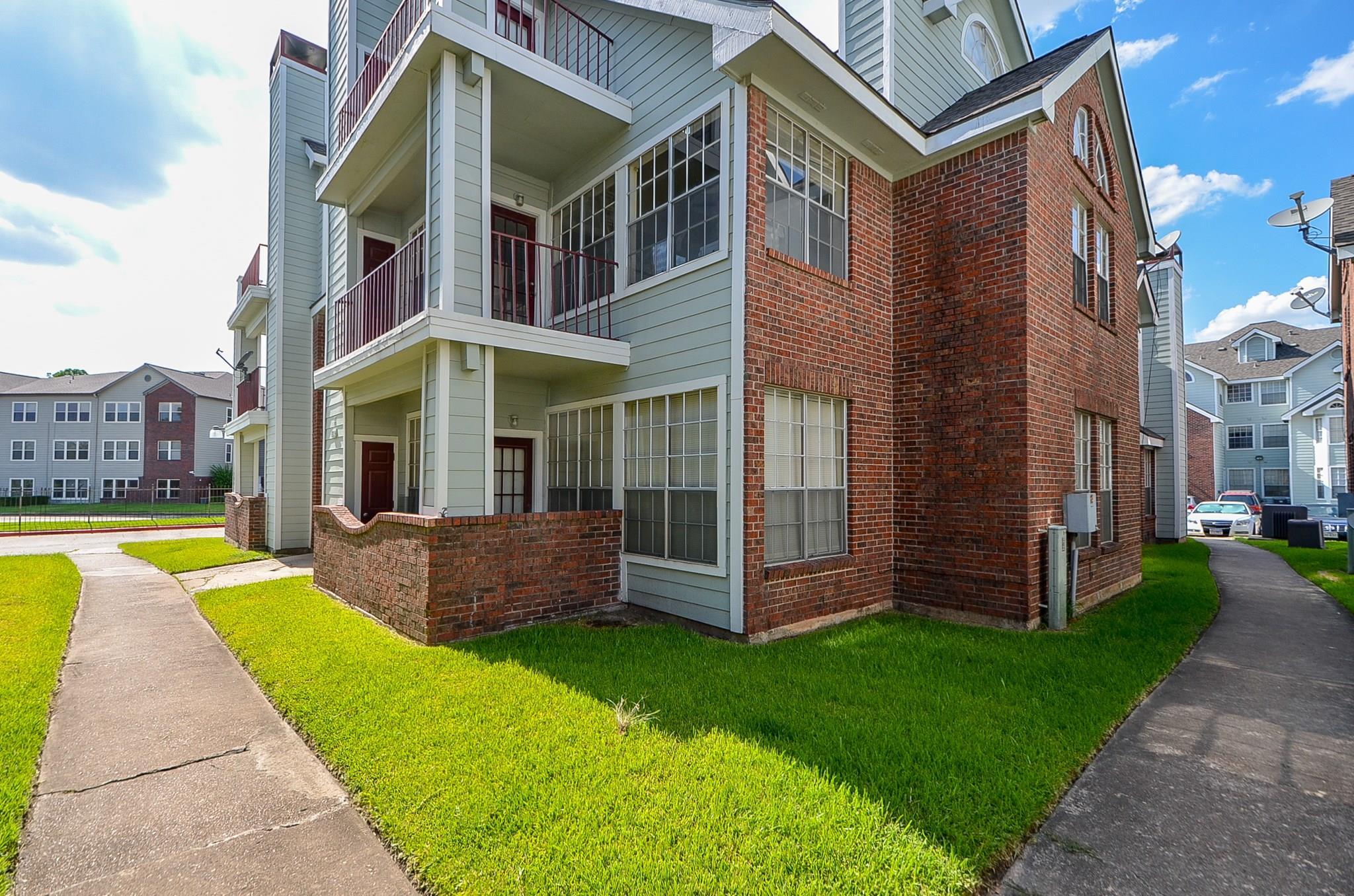 10630 Westbrae Parkway #503 Property Photo - Houston, TX real estate listing