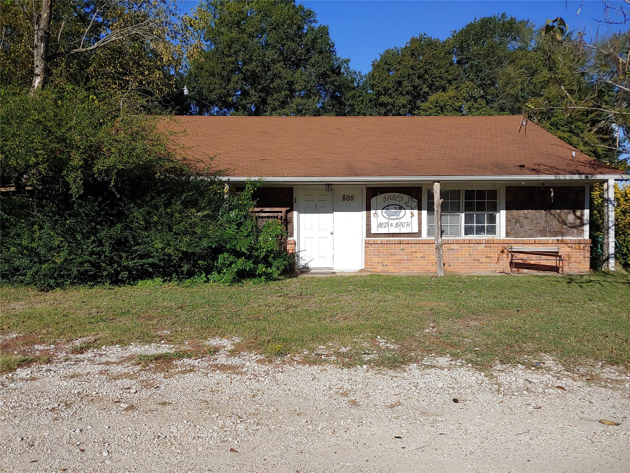 805 S Commerce Street Property Photo - Bremond, TX real estate listing