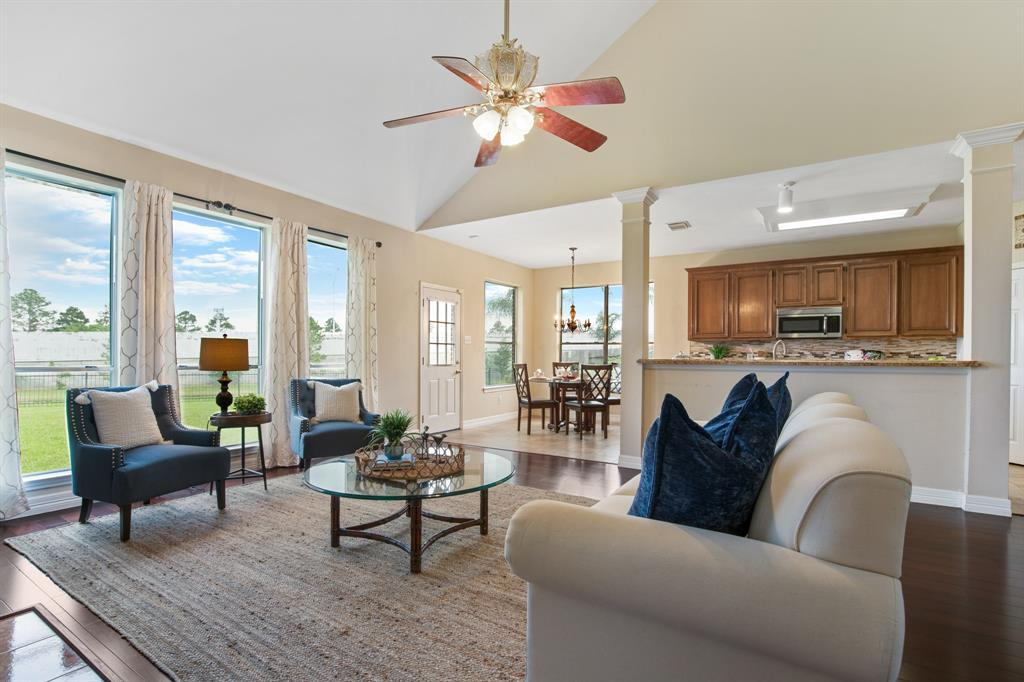 3938 Shadow Cove Drive Property Photo - Houston, TX real estate listing