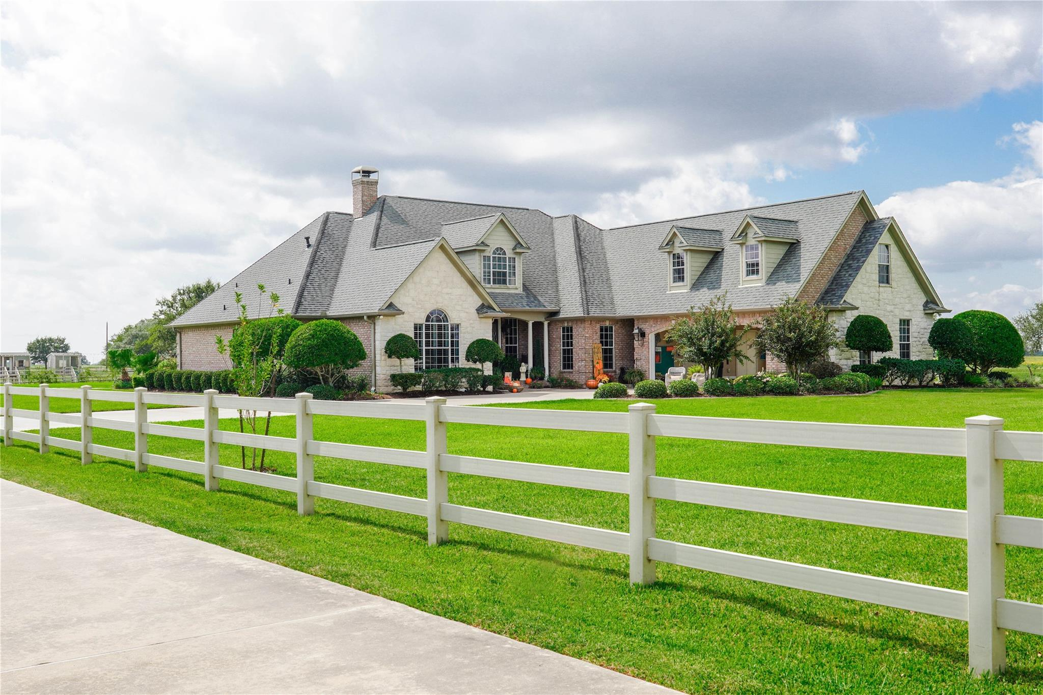 635 County Rd 362 Property Photo - El Campo, TX real estate listing