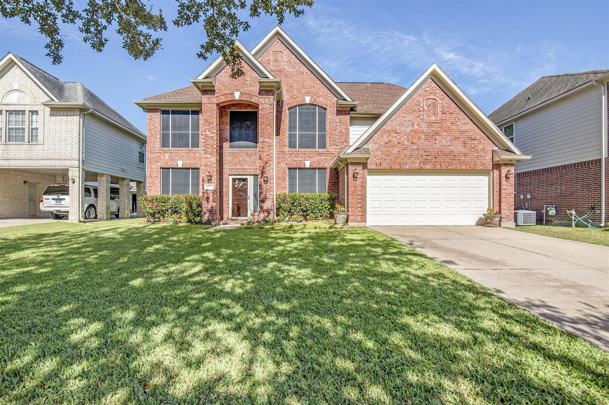 9826 Willow Crossing Drive Property Photo - Houston, TX real estate listing