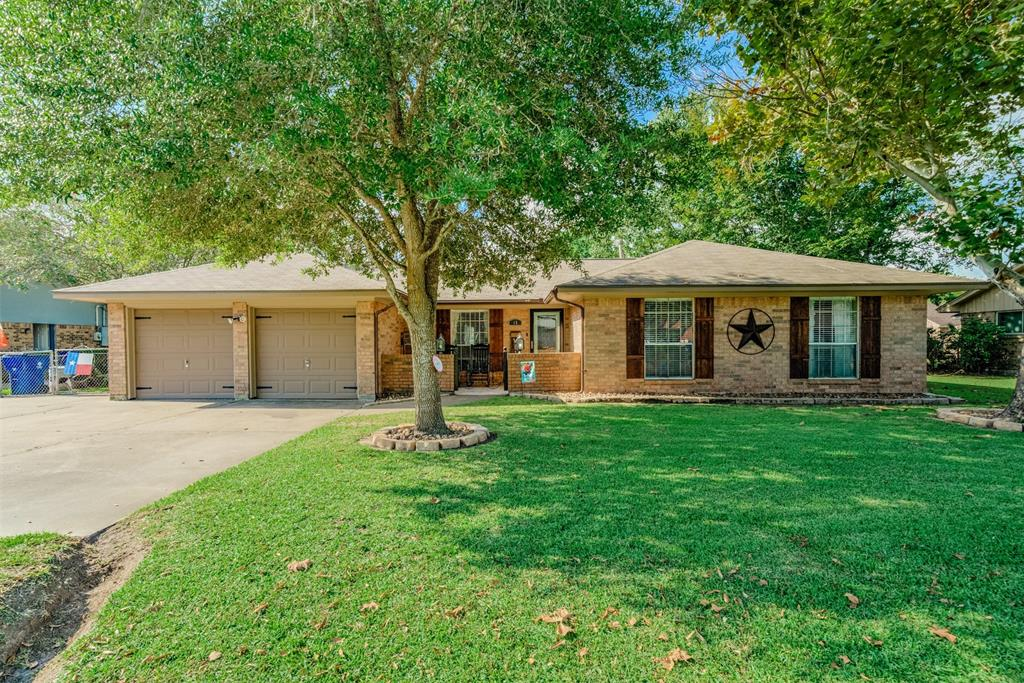 15 Ivy Court Property Photo - Jones Creek, TX real estate listing