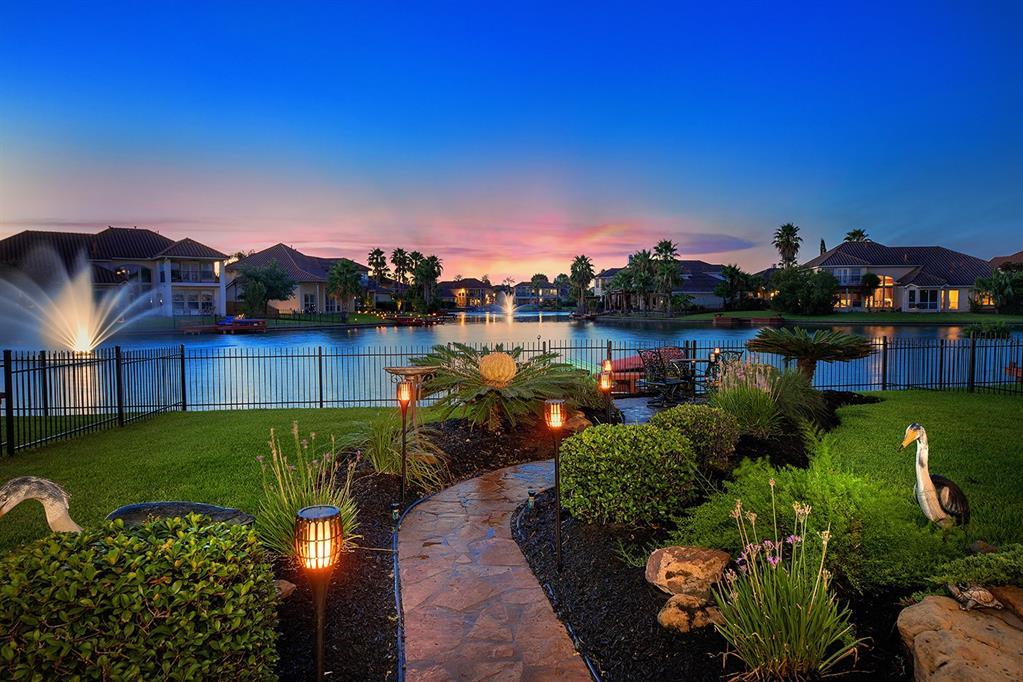 11902 Newport Shore Drive Property Photo - Houston, TX real estate listing