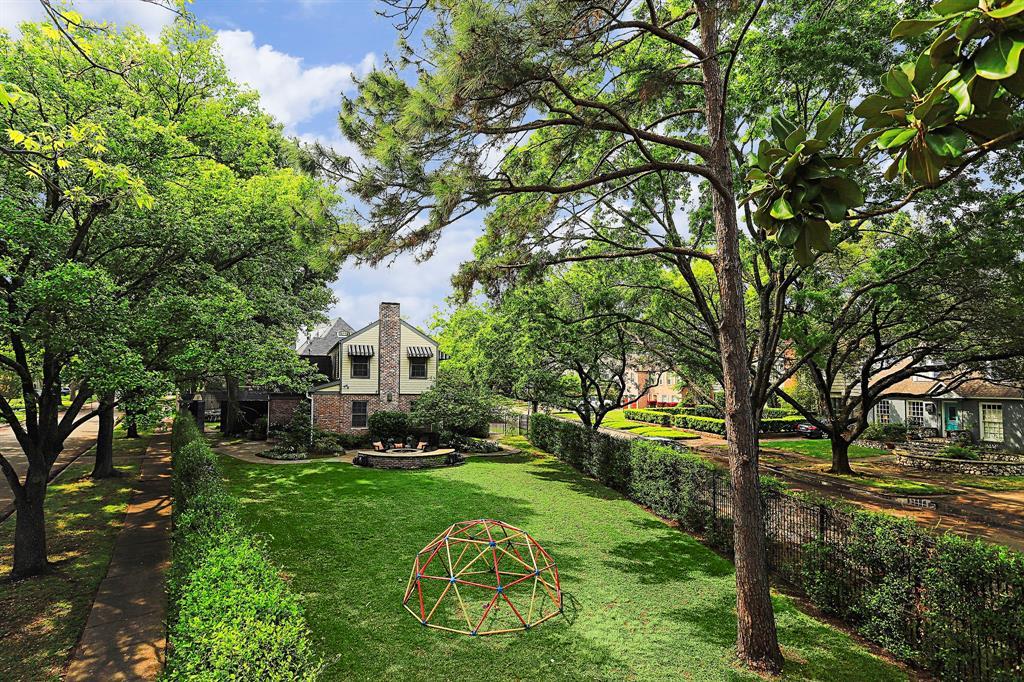 2010 Goldsmith Street Property Photo - Houston, TX real estate listing