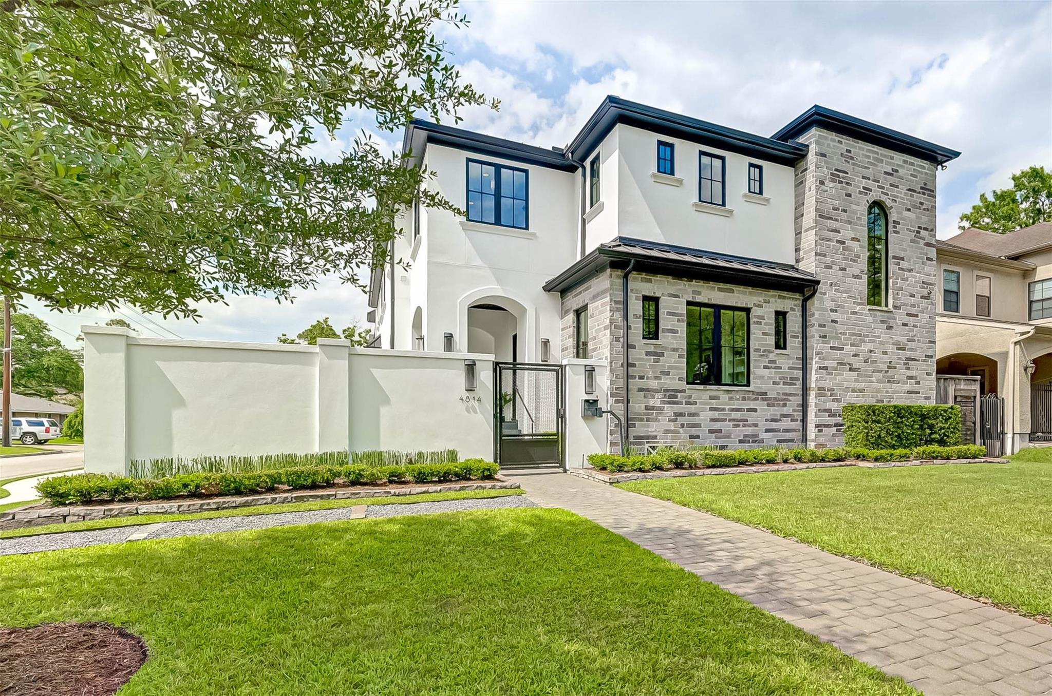 4814 Holly Street Property Photo