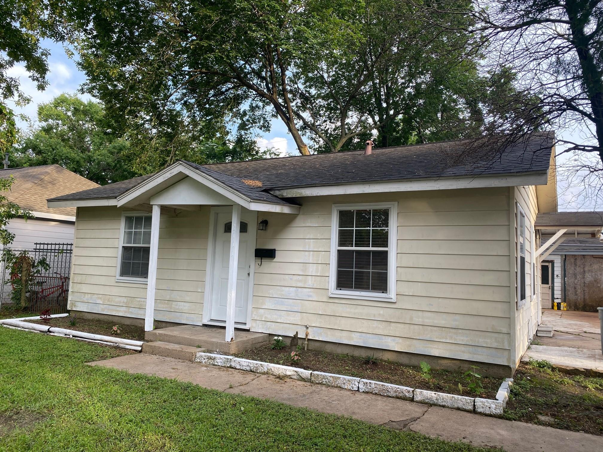 2111 5th Street Property Photo