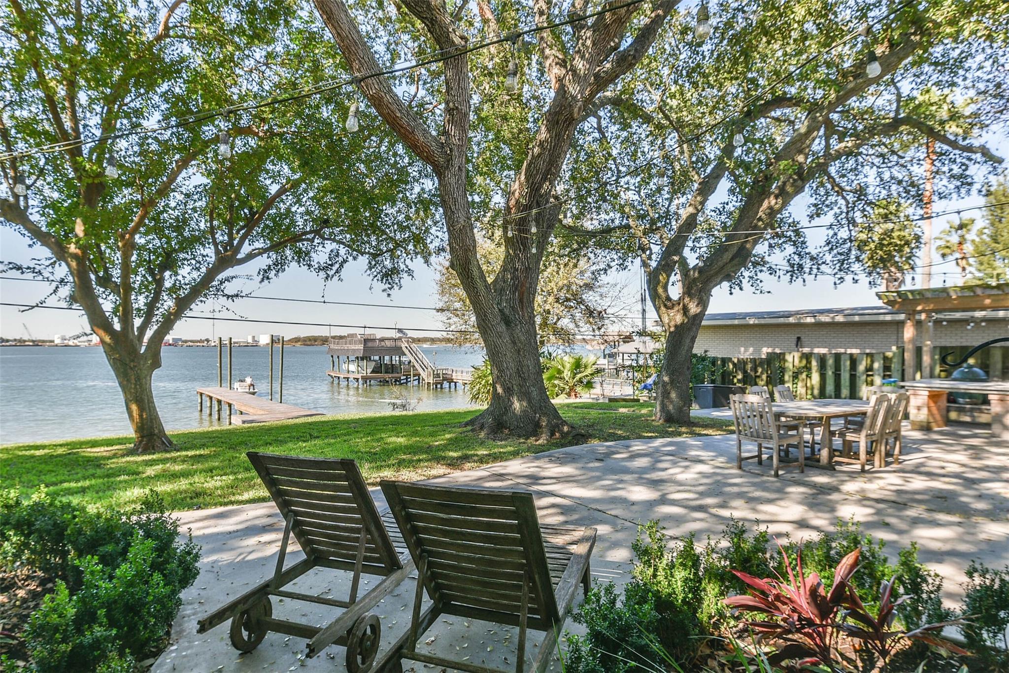 1021 Harbor View Drive Property Photo