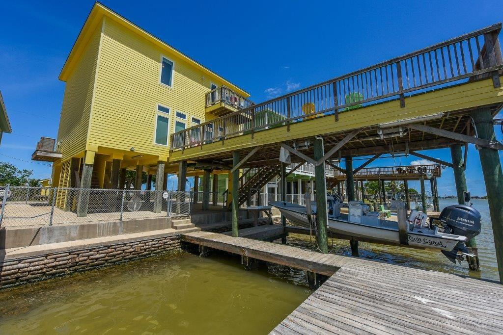 162 Private Road 670, Matagorda, TX 77457 - Matagorda, TX real estate listing