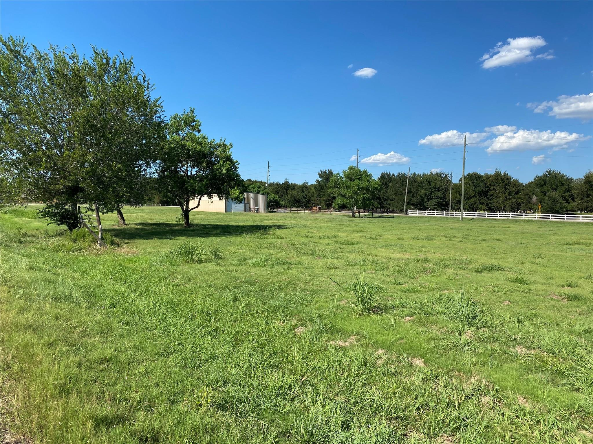 555 Chisolm Road Property Photo - Simonton, TX real estate listing