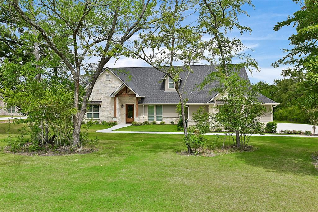 10881 Lonesome Dove Trail Property Photo - Bryan, TX real estate listing