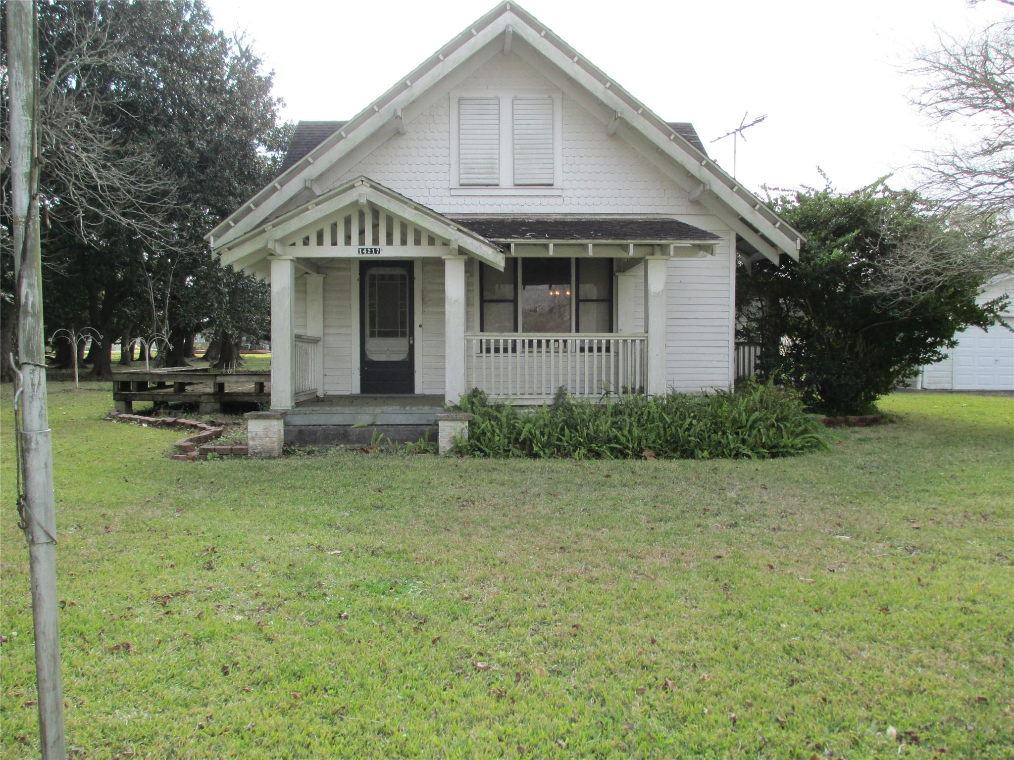 14217 W 6th Street Property Photo
