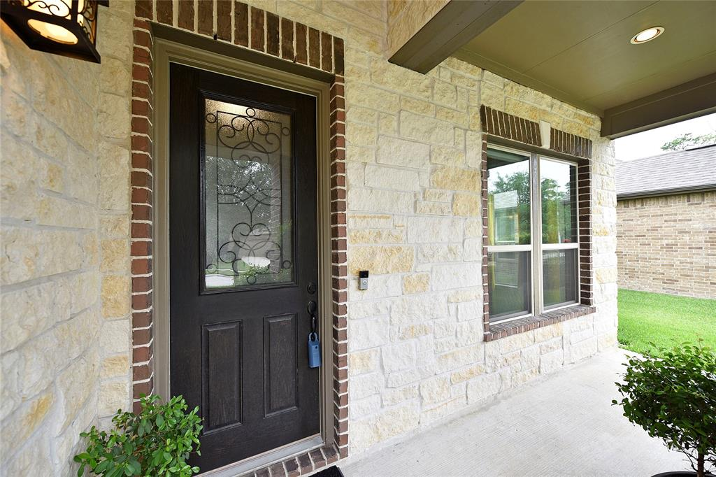 10214 Eagle Hollow Drive Property Photo - Humble, TX real estate listing