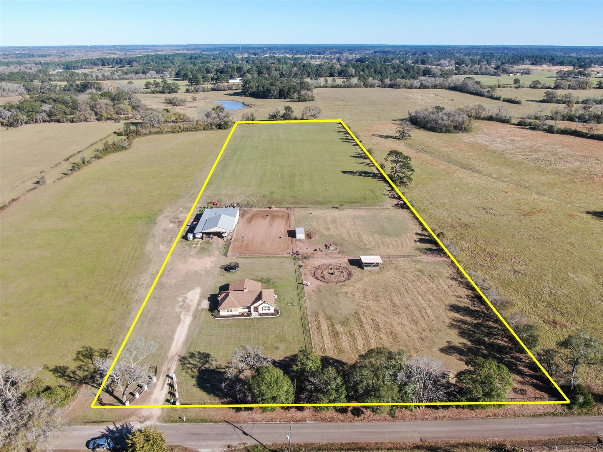 12071 County Road 201 Property Photo - Plantersville, TX real estate listing