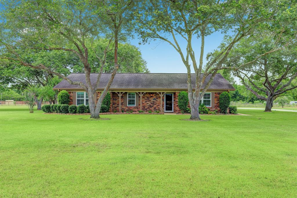 3911 N Elm Road Property Photo - Santa Fe, TX real estate listing