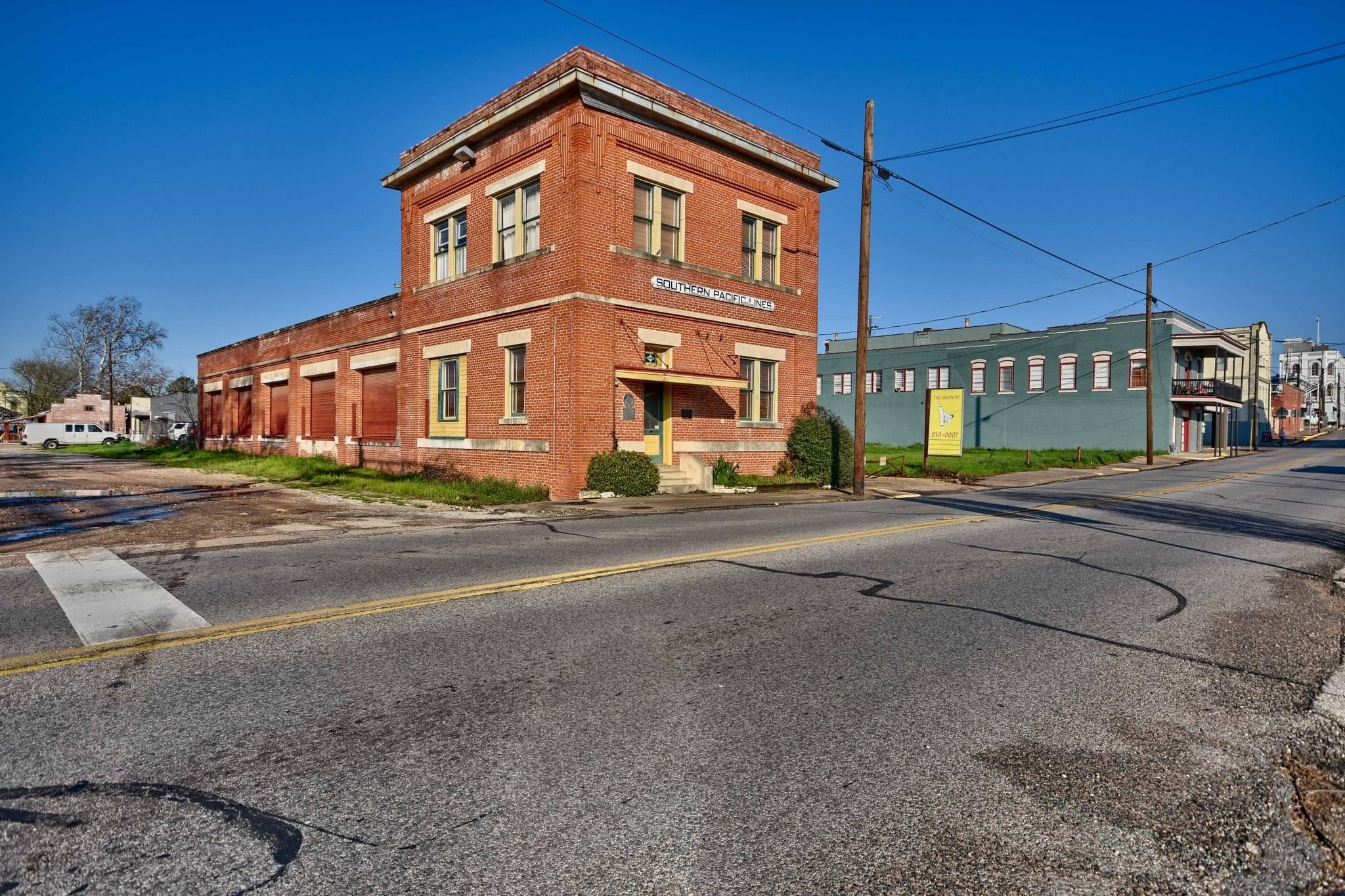 306 S Market Street Property Photo