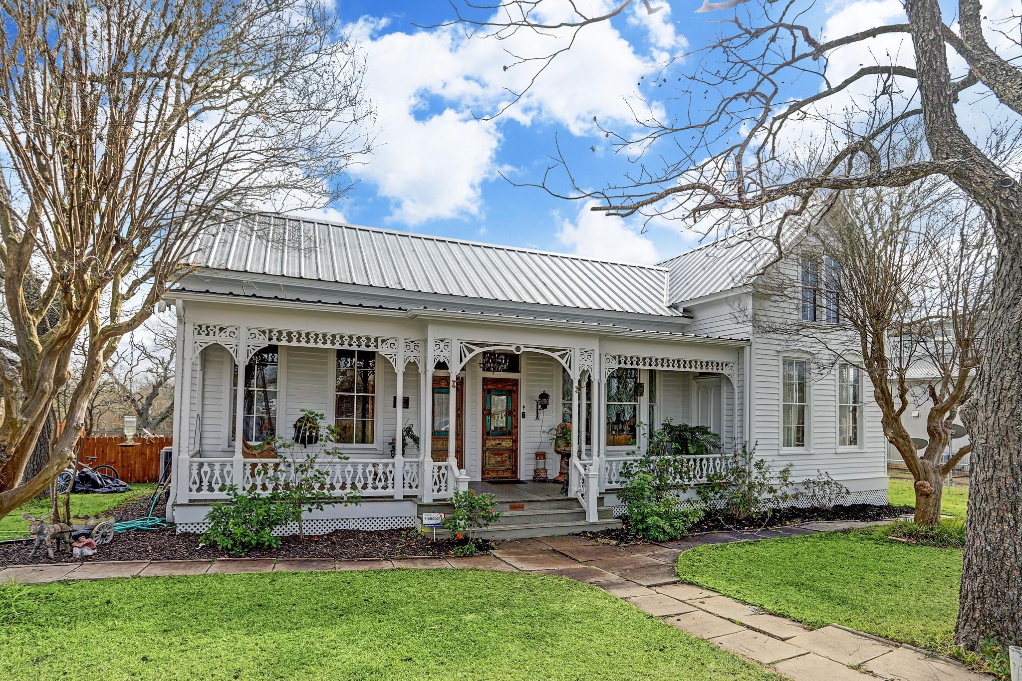 301 S Mechanic Street Property Photo - Fayetteville, TX real estate listing