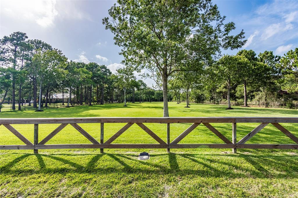 502 Middleton Street, Bacliff, TX 77518 - Bacliff, TX real estate listing