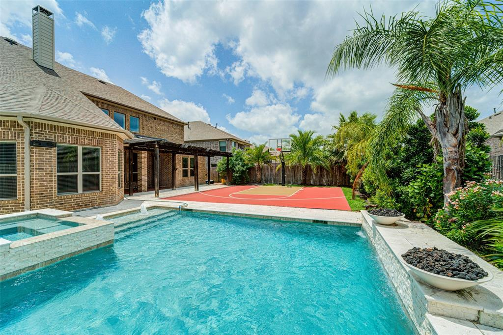 5022 Lockridge Sky Lane Property Photo - Sugar Land, TX real estate listing